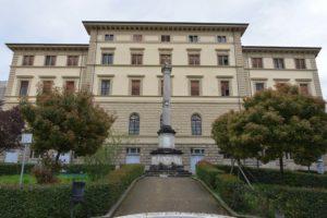 Arezzo Piazza del Popolo Obelisco Mazzini